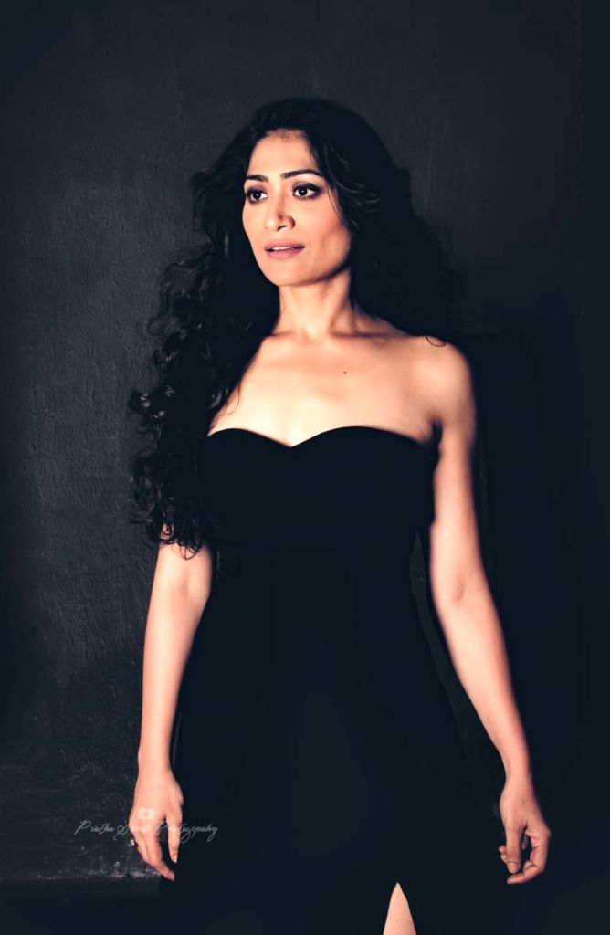 Bobby Deol and I spoke a lot on films: 'Class Of 83' co-star Geetika Tyagi