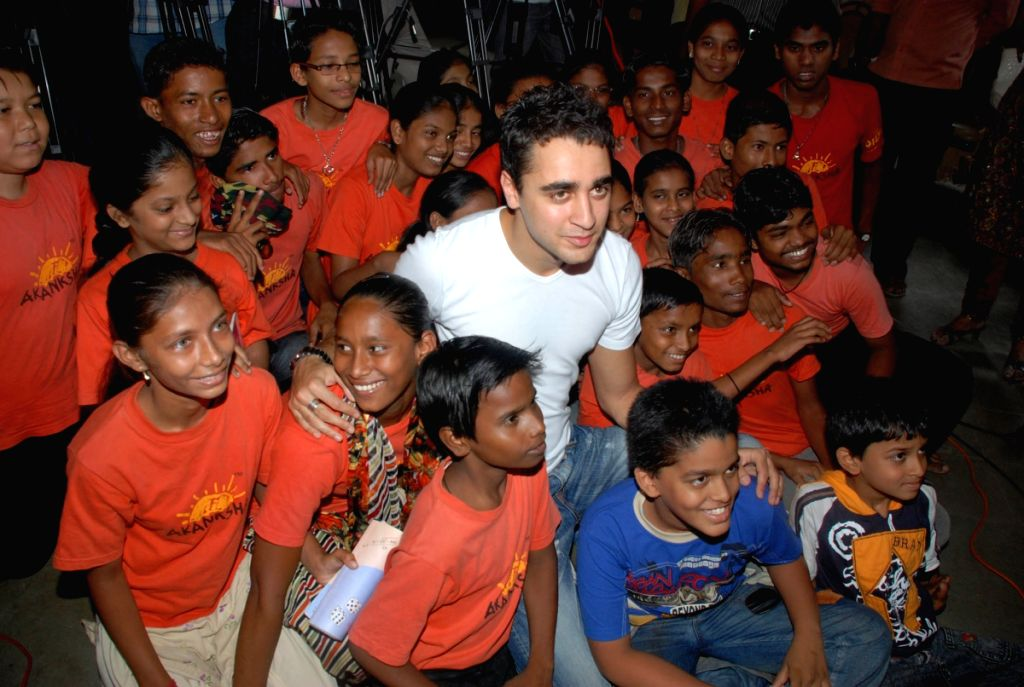 Bollywood actor Imran Khan spent some quality with the kids of NGO 'Aakanksha