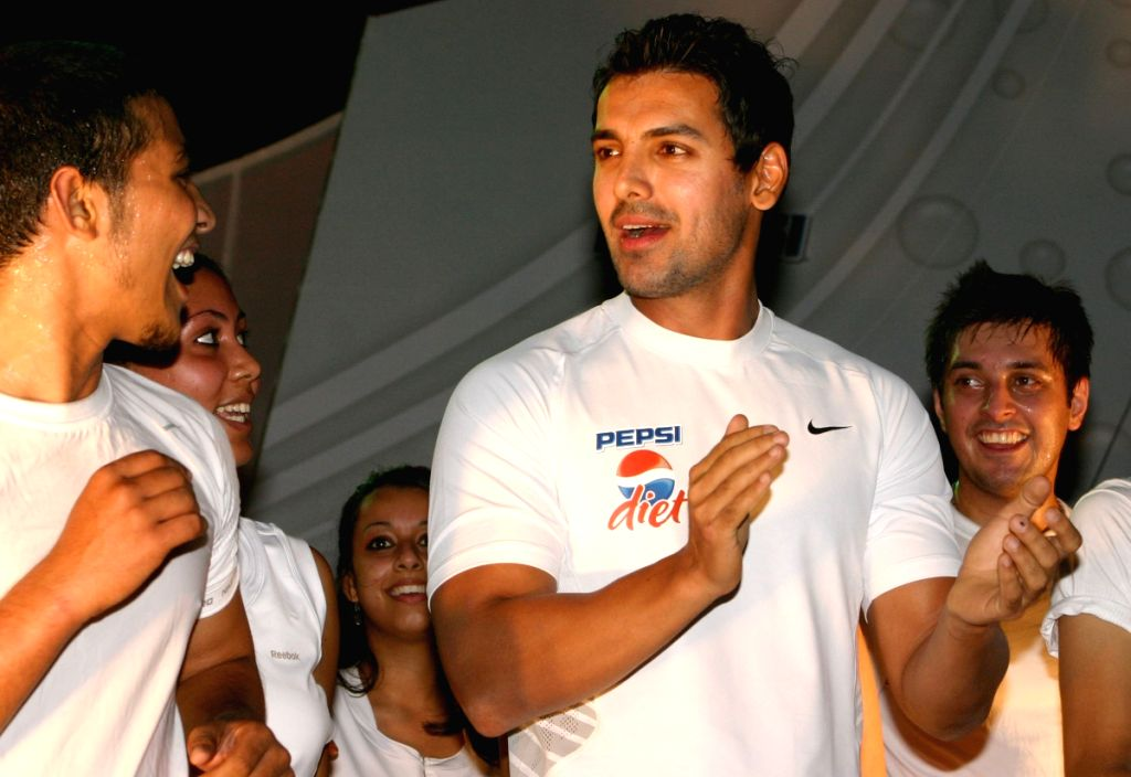 Bollywood Actor John Abraham at a Mass work-out session at Ansal plaza in New Delhi on Sunday.