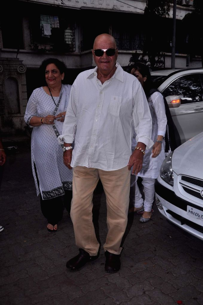 Bollywood actor Prem Chopra at Raju Hirani`s father`s prayer meet. - Prem Chopra