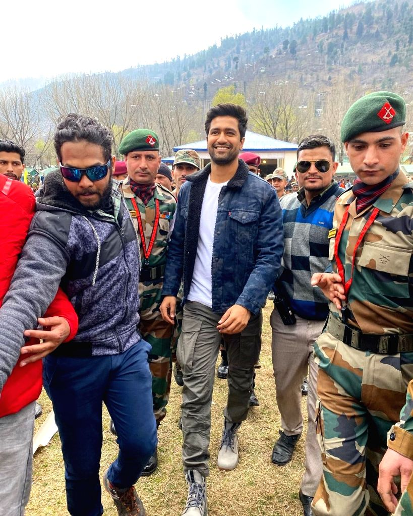 Bollywood actor Vicky Kaushal on Sunday expressed gratitude to the Indian Army for inviting him to the Uri Base camp in Kashmir. - Vicky Kaushal