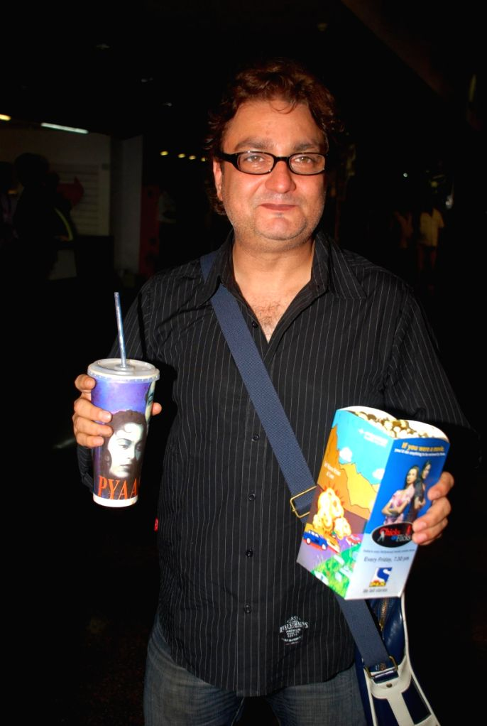 Bollywood actor Vinay Pathak at the premiere of the film 'Fast & the Furious 4' at fame.