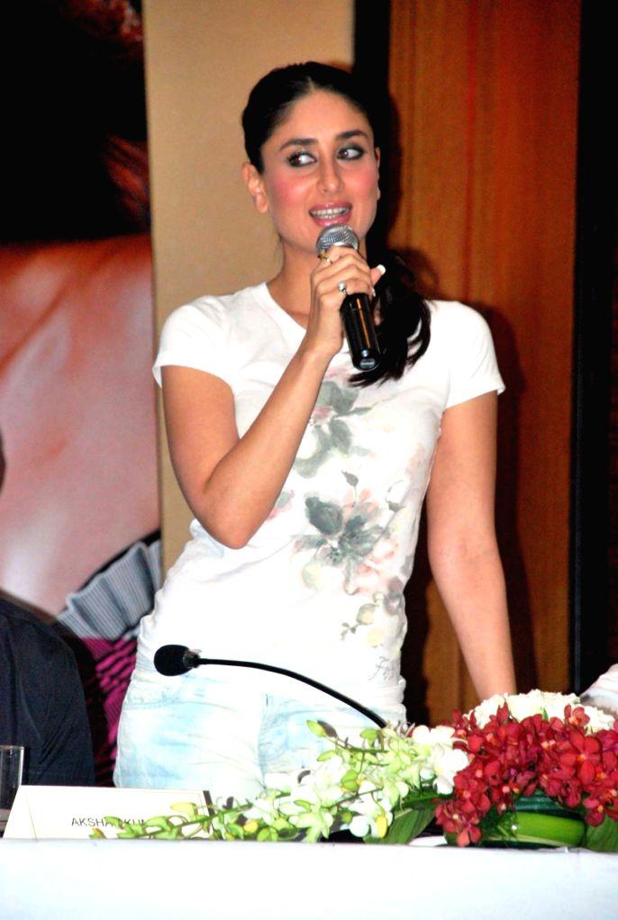 """Bollywood actoress Kareena Kapoor at the press meet of their upcoming film """"Kambakht Ishq"""" in Mumbai. ."""