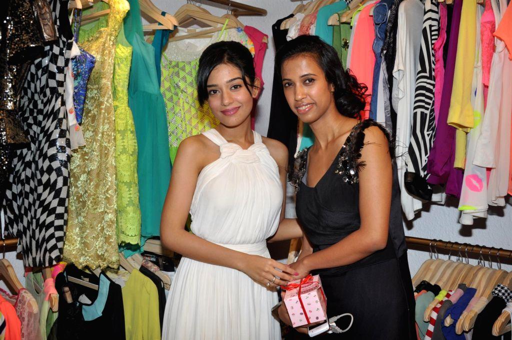 Bollywood actress Amrita Rao during the launch of LASHA store in Bandra, Mumbai on Friday, August 16, 2013. (Photo::: IANS)