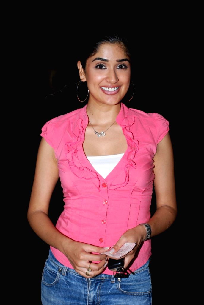 "Bollywood actress Anjala Zaveri at the premiere of the Hollywood movie ""My Mom's New Boyfriend"" at Cinemax. - Anjala Zaveri"