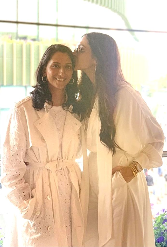 """Bollywood actress Deepika Padukone shared a beautiful message for her sister Anisha Padukone, whom she called a """"bundle of joy"""". A photograph shared by the actress on Instagram showed her ... - Deepika Padukone and Anisha Padukone"""