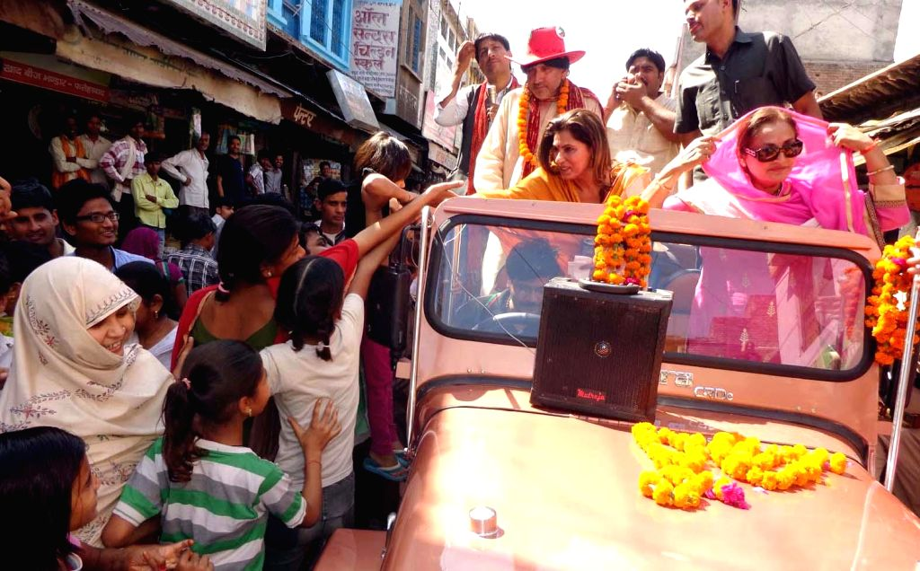 Bollywood actress Dimple Kapadia and Jaya Prada, RLD candidate from Bijnore Lok Sabha constituency campaigning for Amar Singh at Fatehpur Sikri Lok Sabha constituency on April 19, 2014.