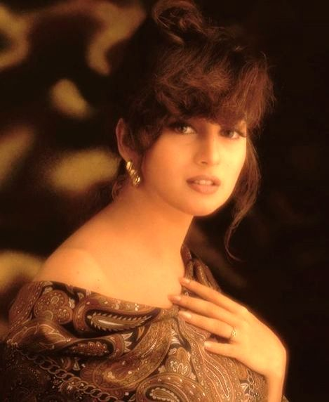 Bollywood actress Madhuri Dixit-Nene has treated her fans with a throwback photograph of herself. Madhuri took to Instagram, where she shared a photograph of herself sporting a fringed look in the ... - Madhuri Dixit-Nene