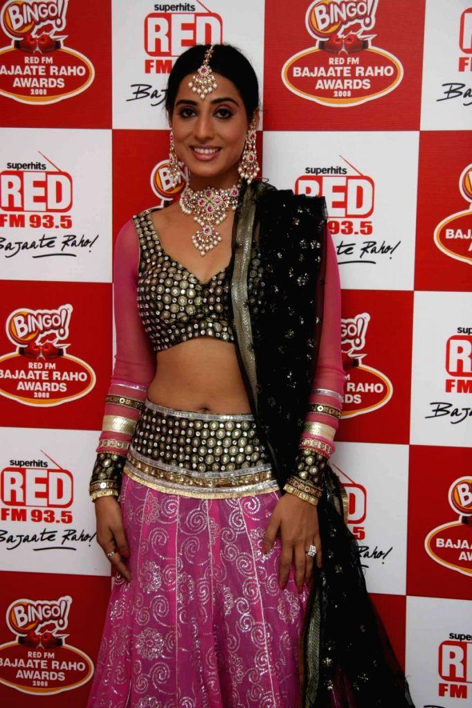 Bollywood actress Mahi Gill at Red Fm Bajaate Raho Awards. - Mahi Gill