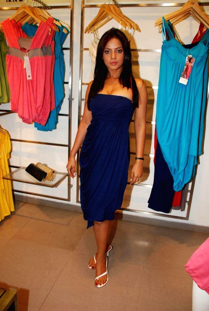 Bollywood actress Neetu Chandra at fashion designer Anita Dongres's new collection launch.