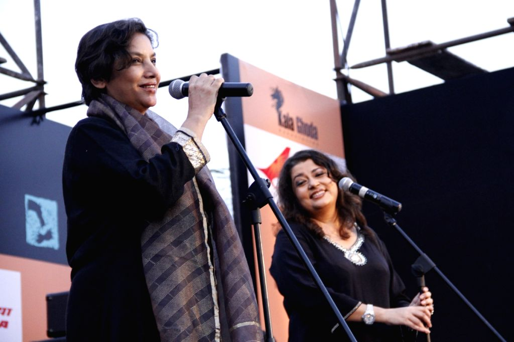 Bollywood actress Shabana Azmi with Singer Isheeta Ganguly at the The Kala Ghoda Arts Festival 2013 in Mumbai. - Shabana Azmi