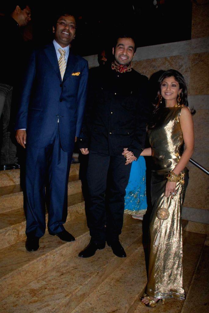 Bollywood actress Shilpa Shetty, Lalit Modi and Raj Kundra at the Rajasthan Roshan bash.