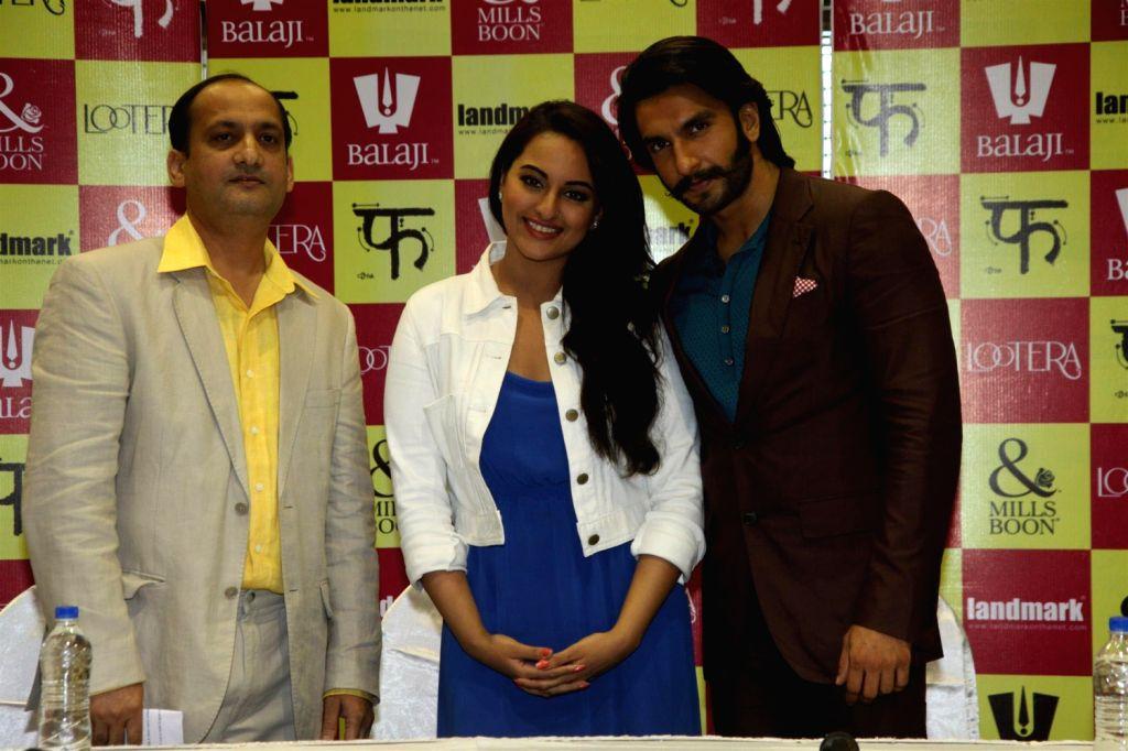 Ranveer Singh Sonakshi Sinha launch Loootera Mills & Boons