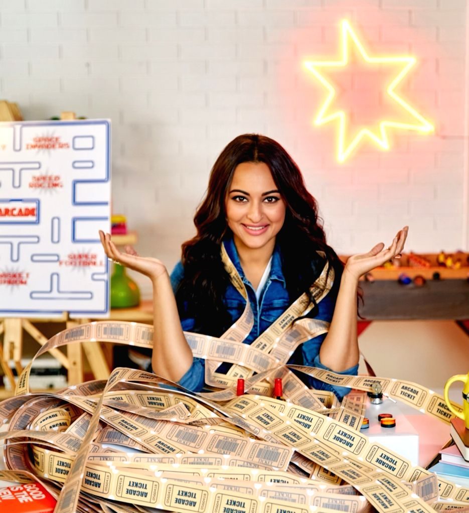 Bollywood actress Sonakshi Sinha will be raising funds for the Little Hearts Programme through Anshula Kapoors online fundraising platform Fankind. This is the fourth campaign by Fankind unites ... - Sonakshi Sinha