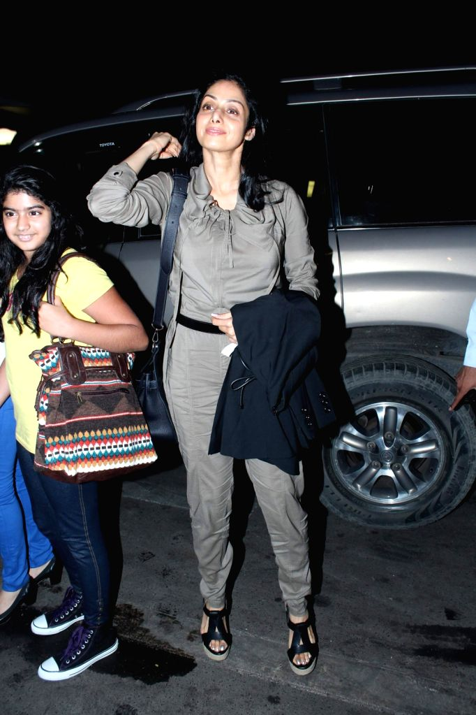 Bollywood actress Sri Devi leave for 13th IIFA awards to Singapore at International Airport. - Sri Devi