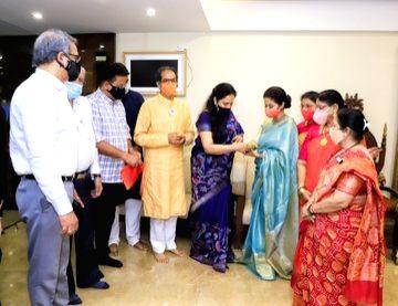 Bollywood actress Urmila Matondkar formally joined Shiv Sena in Mumbai on Dec 1, 2020. She was welcomed by Maharashtra Chief Minister Uddhav Thackeray and other senior leaders, while Rashmi ... - Urmila Matondkar