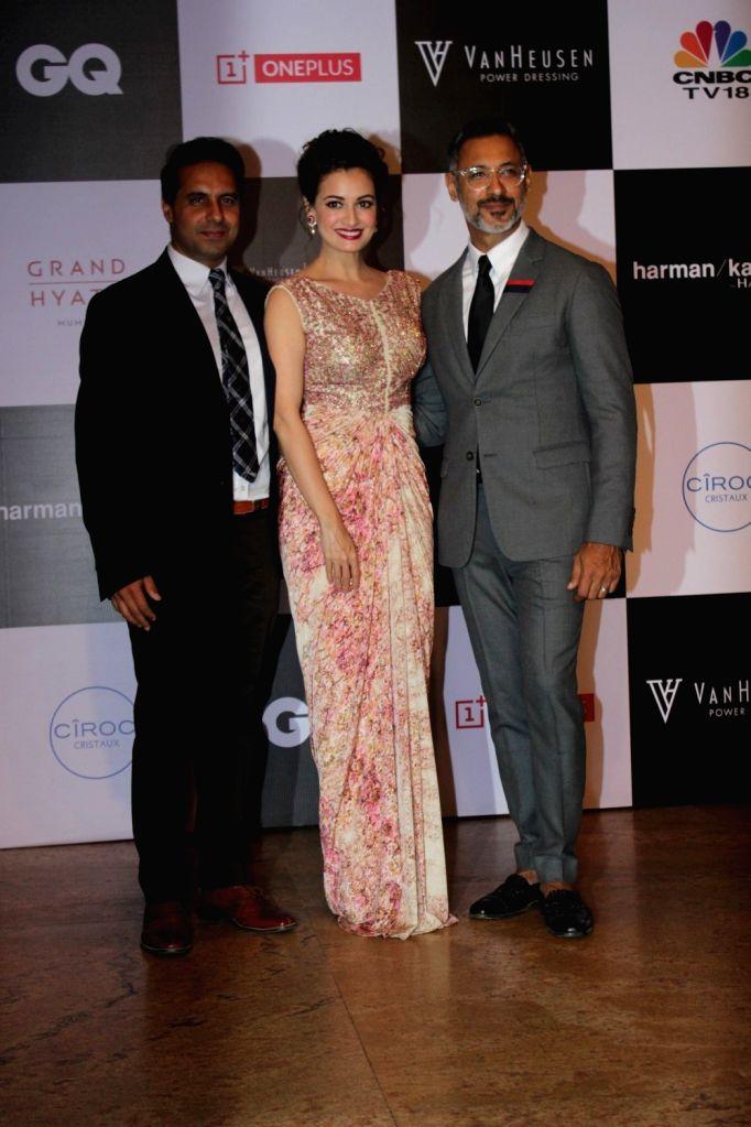Bollywood Celebs at Van Heusen and  GQ Fashion Nite in Mumbai on Dec 1, 2015