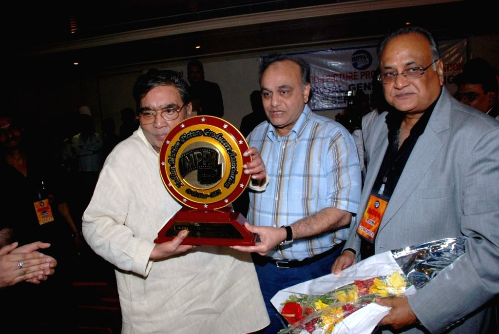 Bollywood filmmaker Prakash Mehra's last media event  when he was conferred with the Lifetime Achievement award by the Indian Motion Picture Producers Association (IMPPA) in September 2008.