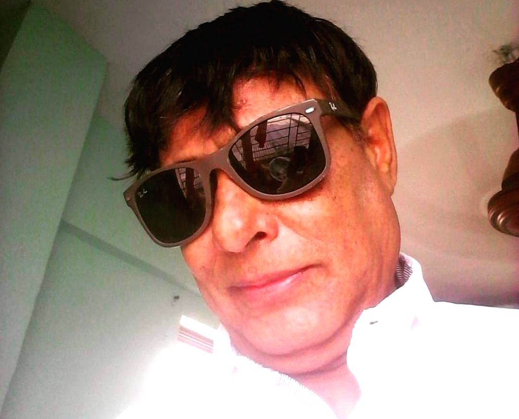 Bollywood lyricist Anwar Sagar passes away at 70.