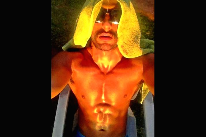 Bollywood's livewire star Ranveer Singh's latest photograph, in which the shirtless actor is seen soaking some sun, has taken the social media by storm. Ranveer on Thursday night shared a shirtless photograph of himself on Instagram where he can be  - Ranveer Singh