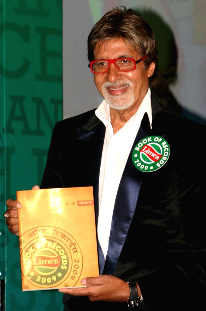 "Bollywood star Amitabh Bachchan releasing 20th Hindi edition of ""Limca Book of Records"" at IHC, in New Delhi on Tuesday 31 March 2008."