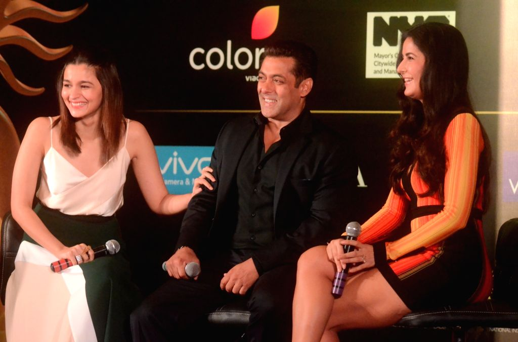 Bollywood stars Alia Bhatt, Salman Khan and Katrina Kaif addressing press conference to reveal some of the details about 18th edition of the International Indian Film Academy (IIFA) Awards in ... - Katrina Kaif and Salman Khan