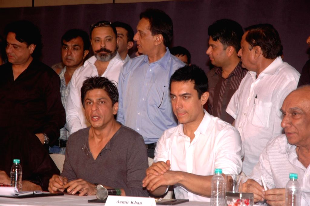 Bollywood superstars  Shah Rukh Khan and Aamir Khan join hands and meet  producers for 'Fair Rights for Friday Nights
