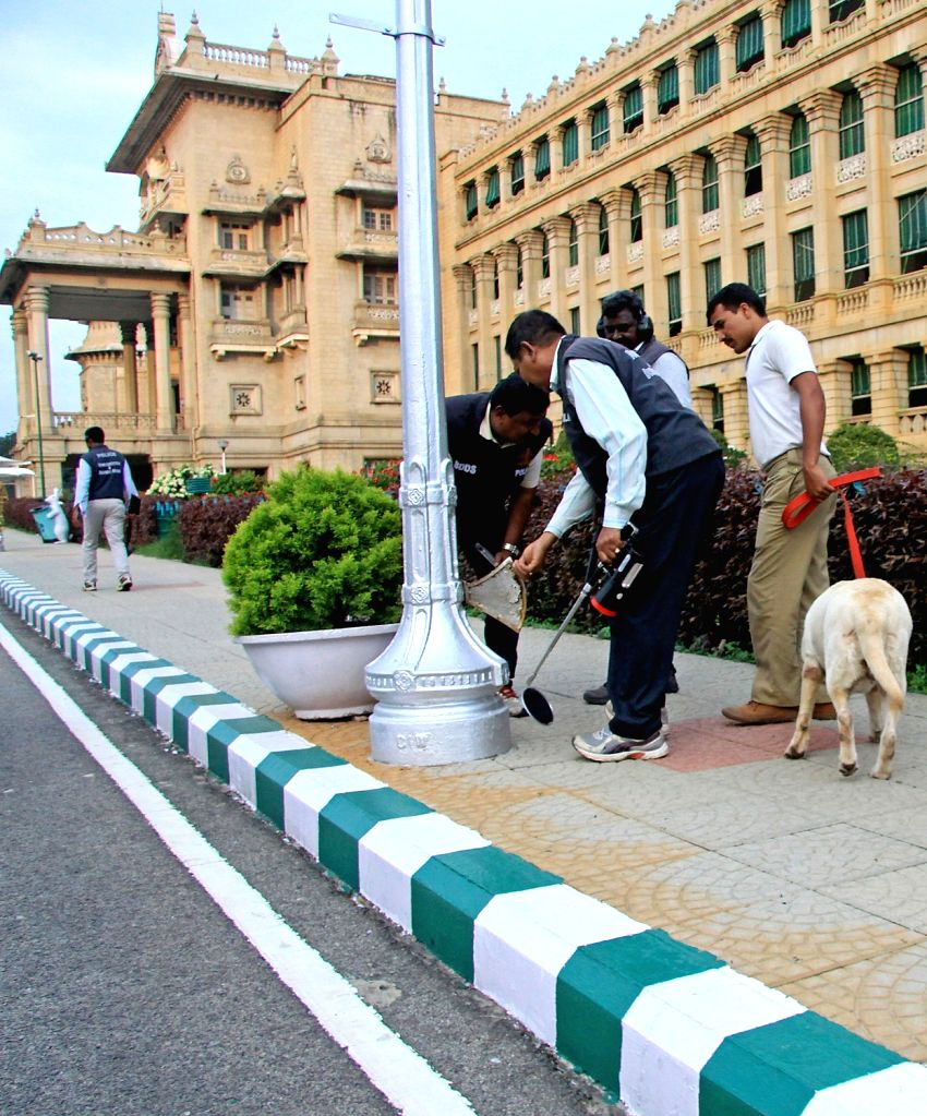 Bomb detection and disposal squad in action after receiving a hoax call for a bomb threat at Vidhana Soudha in Bengaluru on Sept 11, 2017.