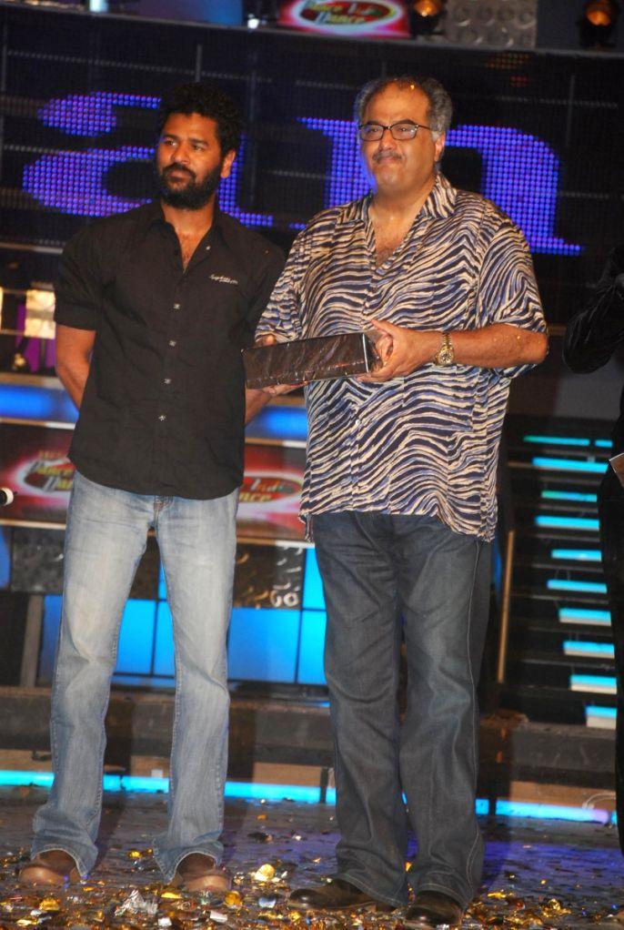 Boney Kapoor and Prabhu Deva at Dance India Dance Grand finale.