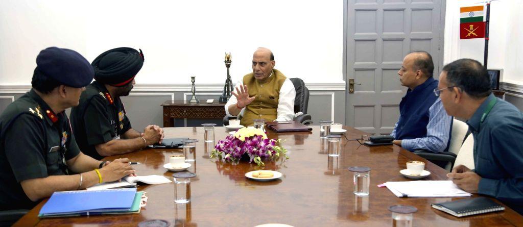 Border Roads Organisation (BRO) DG Lieutenant General Harpal Singh meets Defence Minister Rajnath Singh, in New Delhi on Oct 16, 2019. - Rajnath Singh and General Harpal Singh