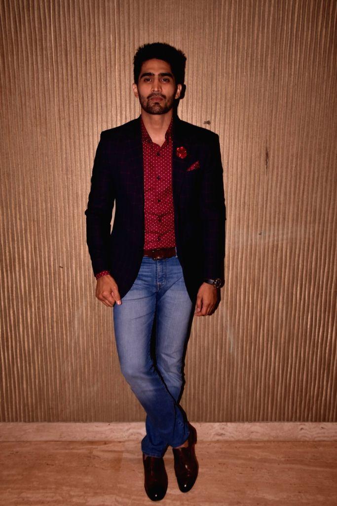 "Boxer Vijender Singh at star studded red carpet of ""Miss Diva Grand Finale"" in Mumbai on Oct 11, 2017. - Vijender Singh"