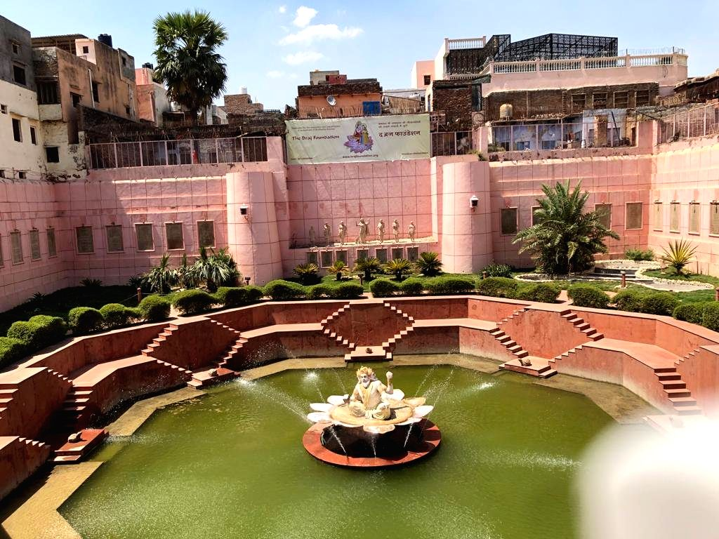 Brahma Kund, a natural source of water through acquirers, has been restored by Braj Foundation with pauranik tales and descriptions. It's another important place in heart of Vrindavan immensely popular with visitors.