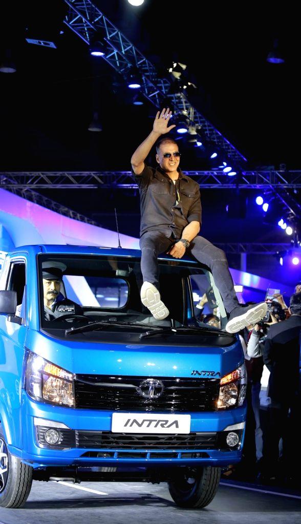 Brand ambassador and actor Akshay Kumar unveils the Tata Intra truck at the Auto Expo 2018 in New Delhi on Feb 7, 2018. - Akshay Kumar