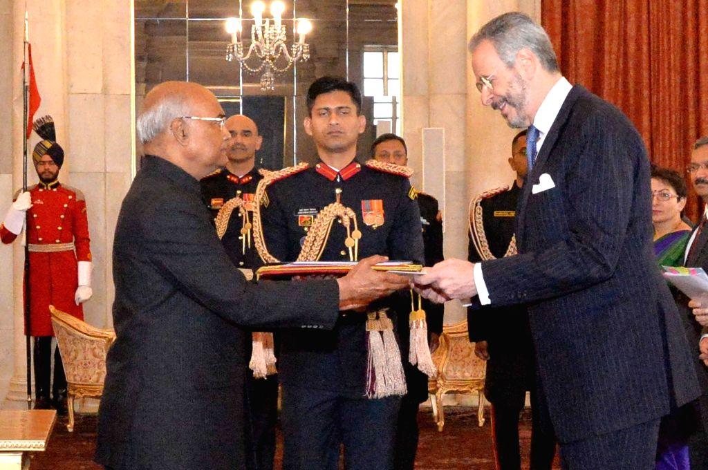 Brazilian Ambassador-designate Andre Aranha Correa do Lago presents his credentials to President Ram Nath Kovind at Rashtrapati Bhavan in New Delhi, on Dec 7, 2018. - Nath Kovind