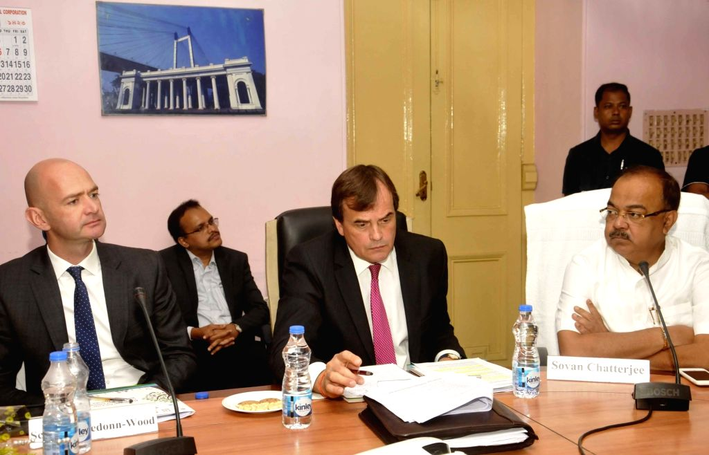 British High Commissioner to India Sir Dominic Asquith and Mayor of Kolkata Municipal Corporation, Sovan Chatterjee during a programme in Kolkata on July 19, 2016. - Sovan Chatterjee