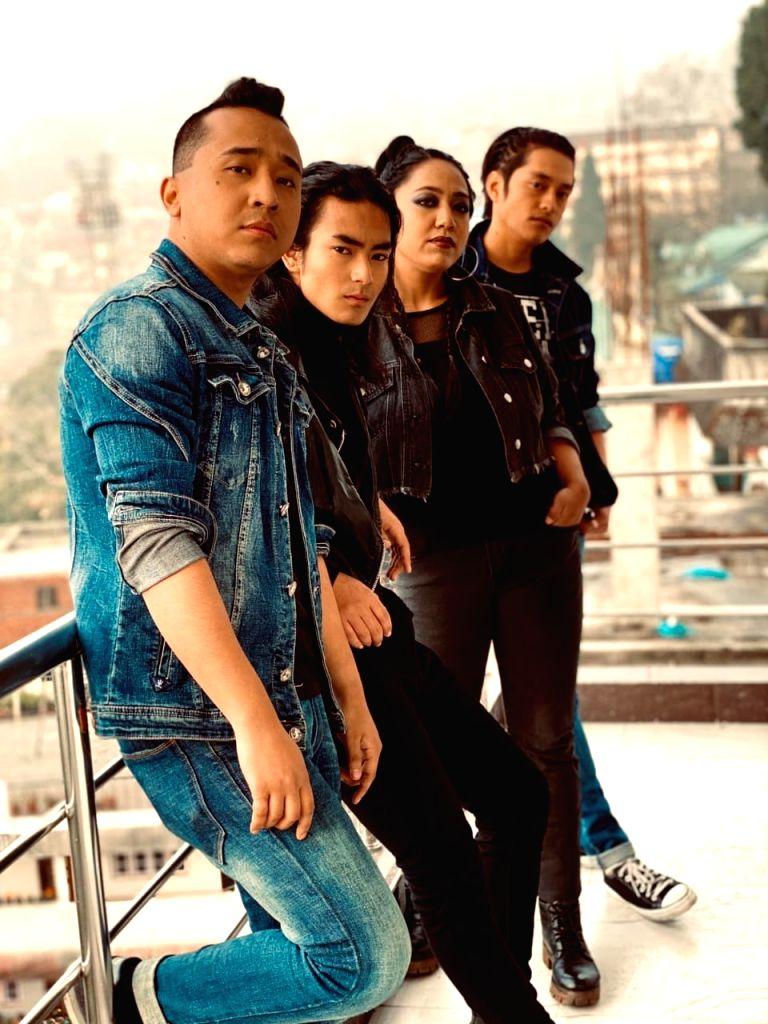Broken Wings' is a 'made in Darjeeling' film based on Gorkhaland stir