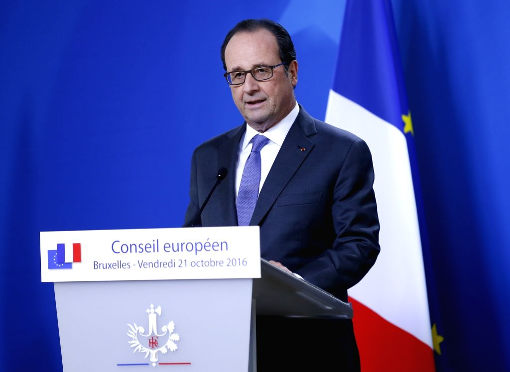 BRUSSELS, Oct. 21, 2016 - French President Francois Hollande attends a press conference after the second-day's meeting of EU Summit in Brussels, Belgium, Oct. 21, 2016.