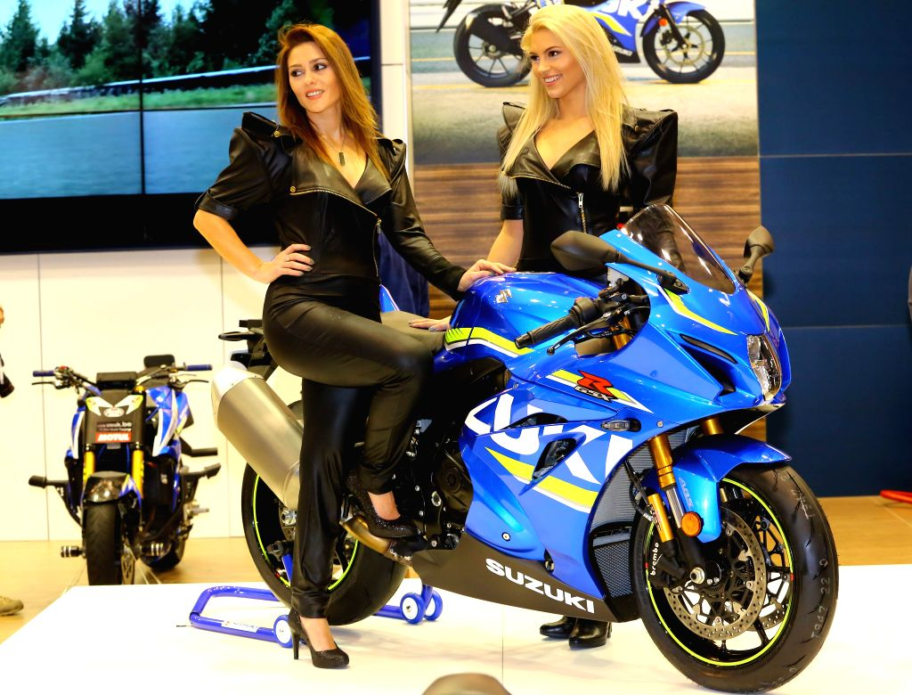 BRUSSLES, Jan. 14, 2017 - Models display a Suzuki motorcycle during media day of the 95th European Motor Show for Cars and Motorcycles held in Brussels, capital of Belgium, Jan. 13, 2017.  ...
