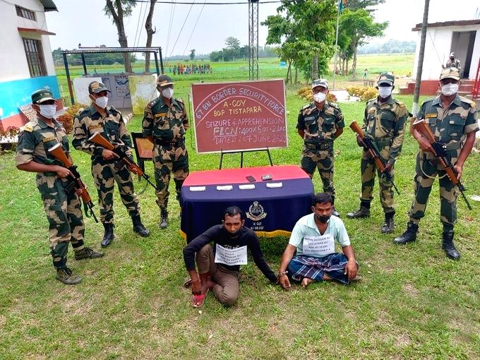 BSF bursts racket smuggling fake Indian currency from B'desh to India.