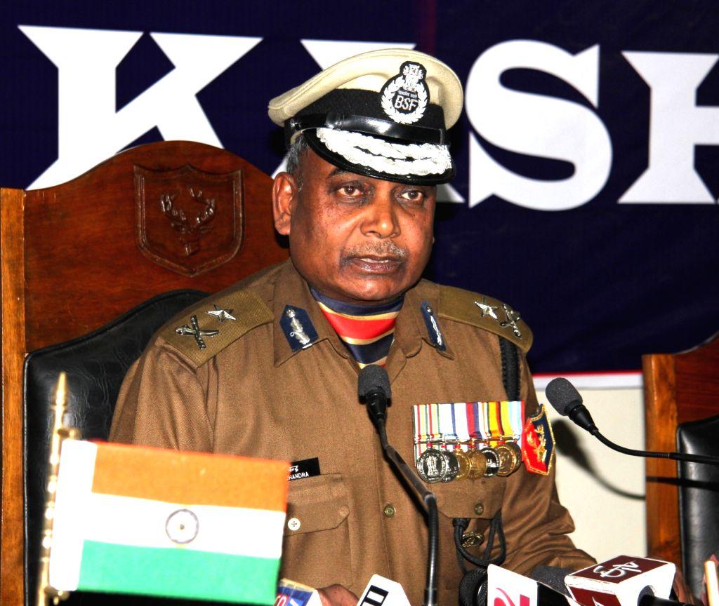 BSF Inspector General Vikash Chandra addresses a press conference in Srinagar on Nov 30, 2016.