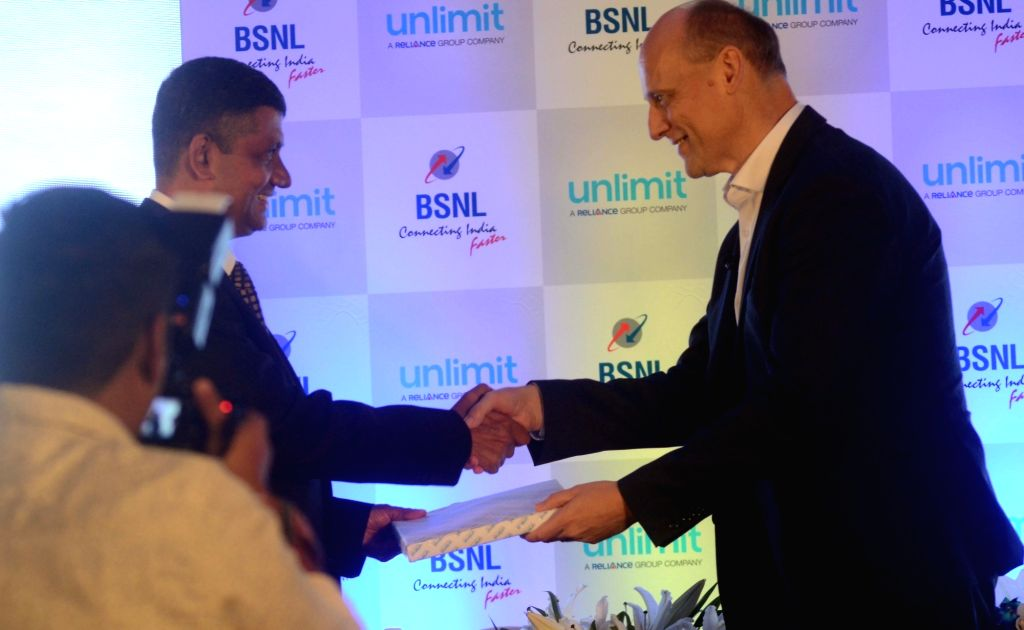 BSNL Chief General Manager Maharashtra Telecom Circle Peeyush Khare and Unlimit CEO Jürgen Hase during a programme organised to announce their strategic partnership, in Mumbai on Sept 11, ...