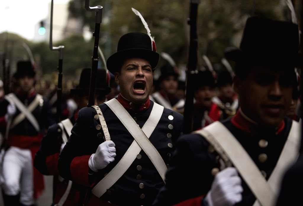 """Members of """"Patricios"""" Regiment take part in the parade for the celebration of Argentina's Independence Day, in the """"Avenida de Mayo"""", in ..."""