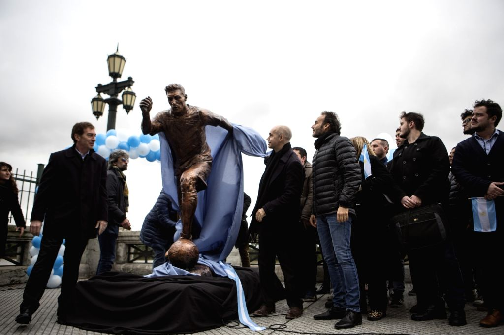 BUENOS AIRES: The statue of Argentina's soccer player Lionel Messi is unveiled at the Paseo de la Gloria in Buenos Aires June 28, 2016.