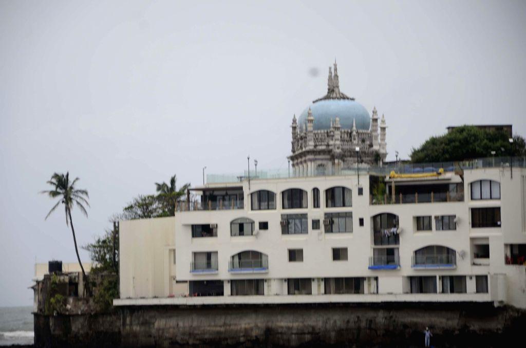 Bunglow of Underworld Don Iqbal Mirchi in Mumbai on August 18, 2013. (Photo::: Sandeep Mahankal/IANS)