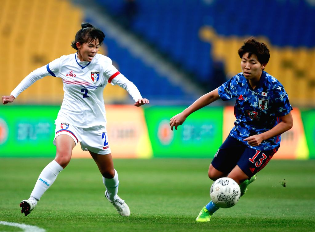 BUSAN, Dec. 11, 2019 - Zhuo Li-Ping (L) of Chinese Taipei vies against Kiko Seike of Japan during their women's match at the 2019 East Asian Cup in Busan, South Korea, Dec. 11, 2019.