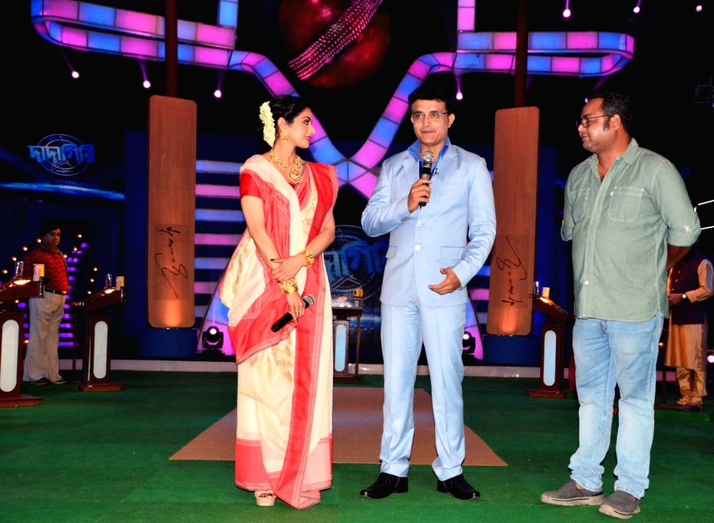 """CAB chief Sourav Ganguly with actress Sridevi on the sets of television show """"DADAGIRI"""" in New Delhi, on June 28, 2017. - Sridevi and Sourav Ganguly"""