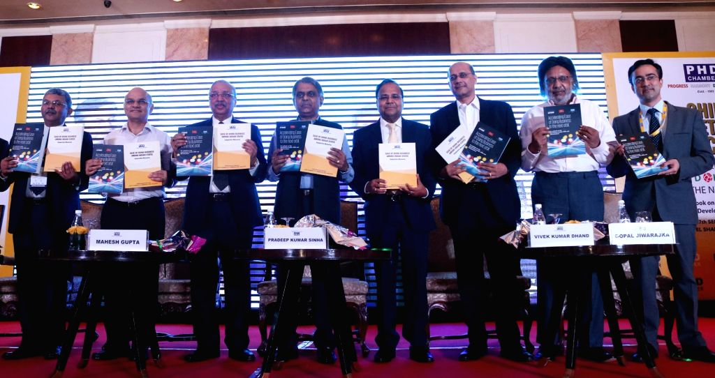 """Cabinet Secretary PK Sinha with other chief secretary during """"Chief Secretaries Conclave"""" organised by PHD chambers in New Delhi on Sept 17, 2016."""