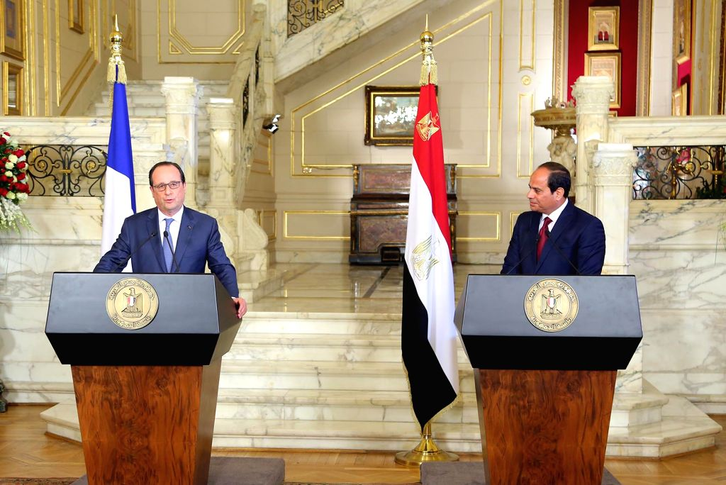 CAIRO, April 17, 2016 - Egyptian president Abdel-Fattah al-Sisi (R) and the visiting French President Francois Hollande attend a joint press conference in Cairo, Egypt on April 17, 2016. Hollande ...