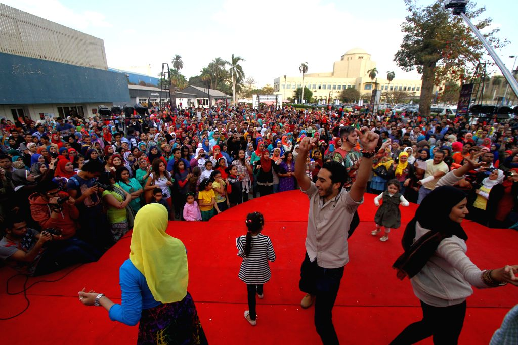 Egyptians participate in the Festival of Indian Dance held in Cairo, Egypt, on March 30, 2015.