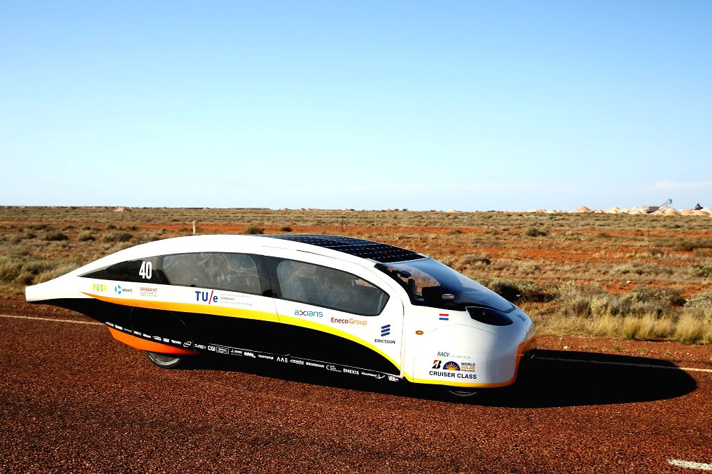 CANBERRA, Oct. 11, 2017 - Team Eindhoven solar vehicle Stella Vie from the Netherlands reaches Coober Pedy, a South Australian town known as the Opal Capital, during the fourth day match of 2017 ...